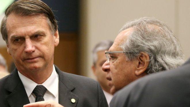 Bolsonaro e Paulo Guedes, cotado para ser um 'superministro' da Economia (Foto: Reuters via BBC)