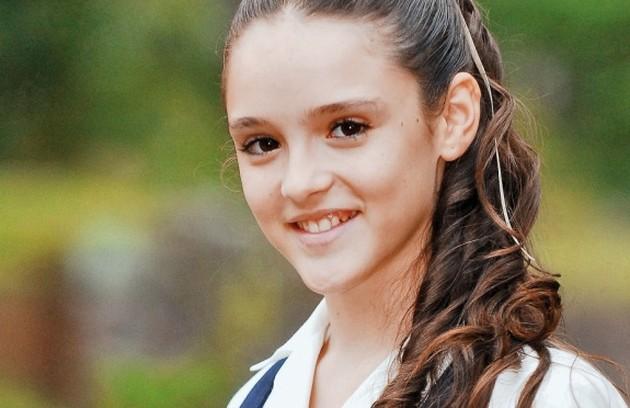 Isabelle Drummond em 'Eterna magia' como Gina, filha de Regina (Giulia Gam) e Joaquim (Osmar Prado) (Foto: Divulgação/TV Globo)