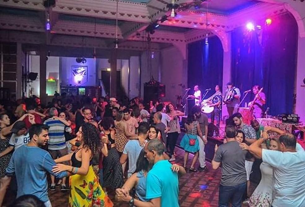 Apadrinhado por Caetano Veloso, Trio Forrozão já se apresentou por todas as capitais brasileiras e no exterior — Foto: Divulgação