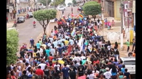 Milhares de pessoas participam da 'Marcha para Jesus' em Tucuruí