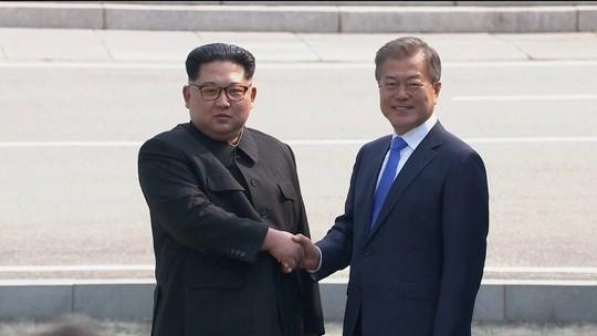 VÍDEO mostra momento em que norte-coreano cruza fronteira