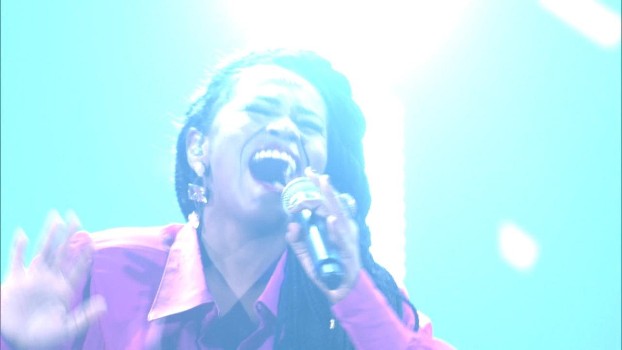 Carla Sceno canta 'September' na Semifinal