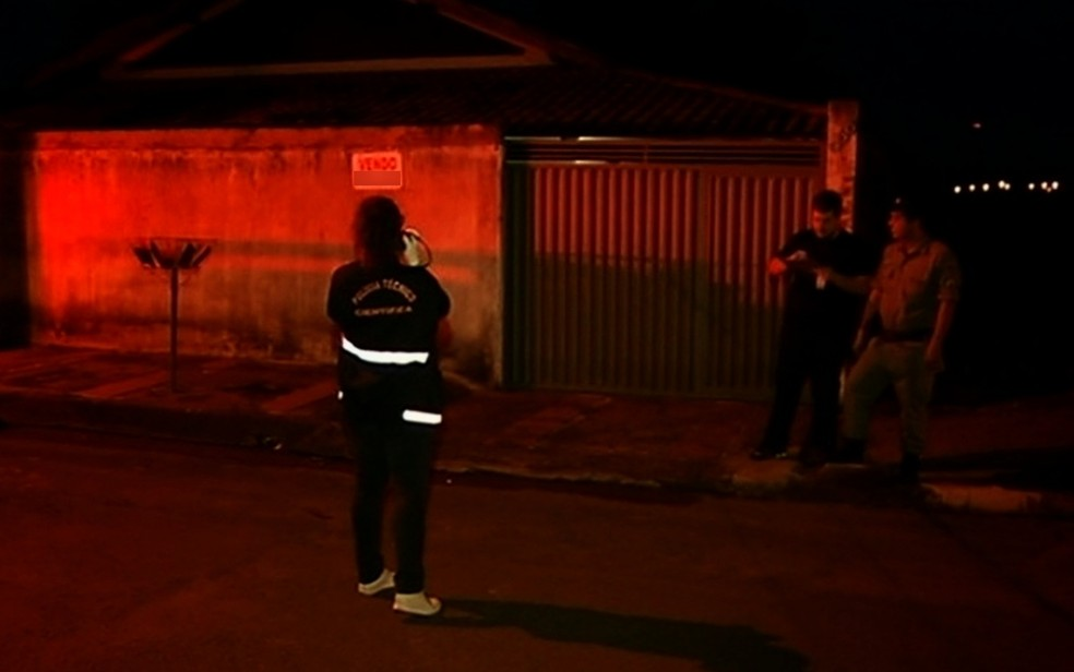 Idosa mata o mardio após tentativa de agressão em Itumbiara (Foto: Reprodução/TV Anhanguera)