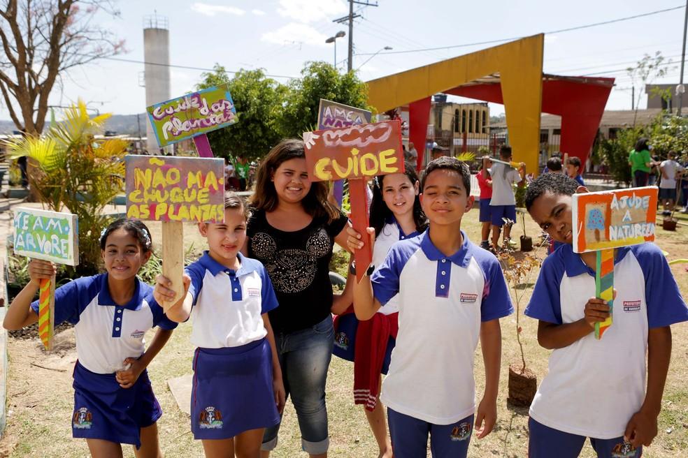 Crianças participam do Verdejando em Guarulhos (Foto: Fernando Pilatos/Globo)