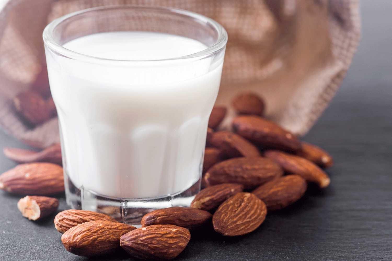 O leite vegetal é livre de colesterol e tem baixo índice glicêmico (Foto: Divulgação )