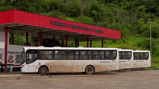 Ex-funcionários de antiga empresa de transporte de Santa Isabel cobram direitos trabalhistas