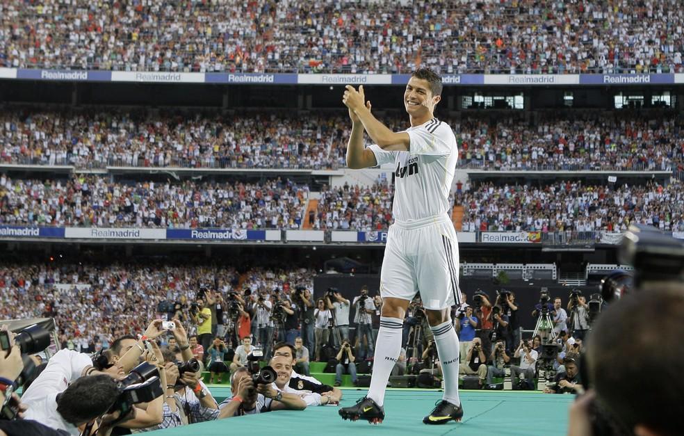 Cristiano Ronaldo foi apresentado para 80 mil pessoas em 2009 (Foto: AP Photo/Victor R. Caivano)