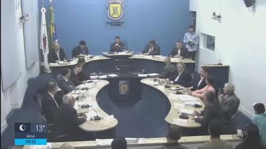 Câmara aprova em primeiro turno redução do número de vereadores em Itajubá, MG