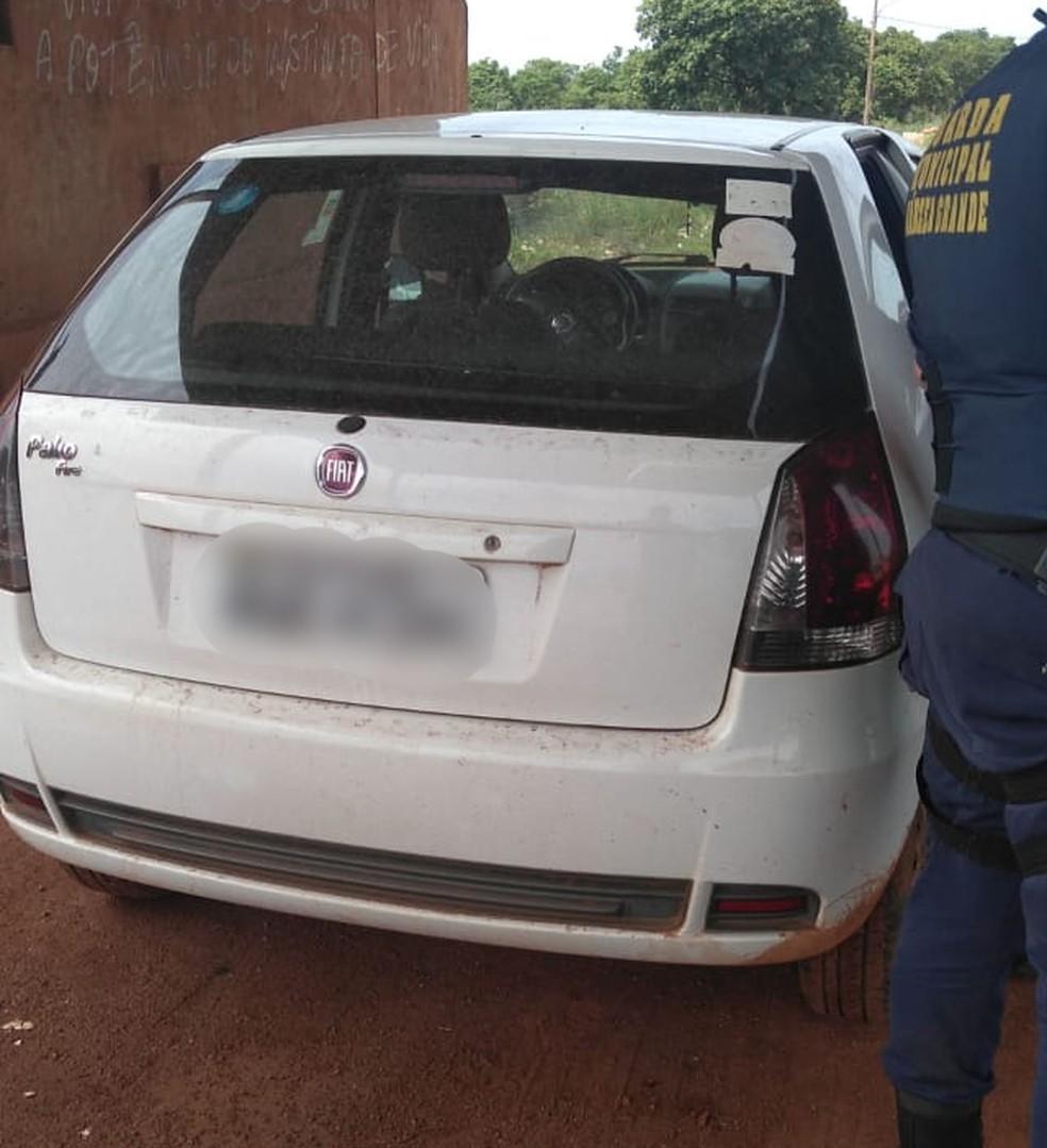 Carro de freiras é recuperado às margens da BR-163 — Foto: Polícia Militar-MT/Divulgação