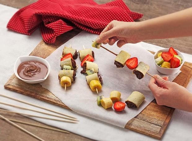 Receita de espetinho de nutella, do Grupo Ferrero (Foto: Divulgação )