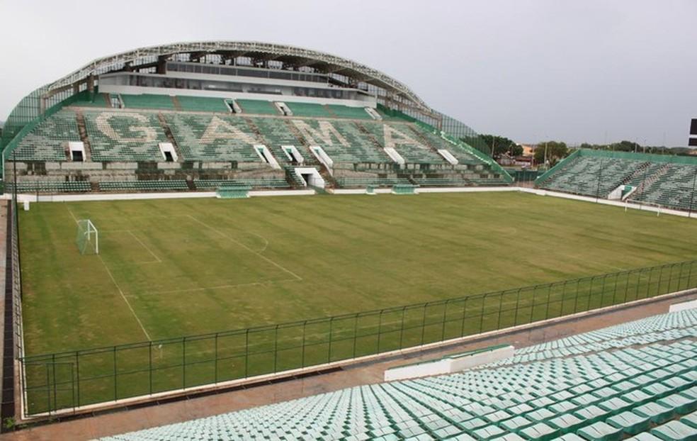 Estádio Bezerrão, no Gama (Foto: Fabrício Marques/GloboEsporte.com)
