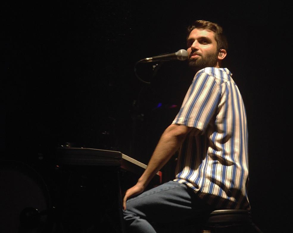 Silva na estreia carioca do show 'Brasileiro' (Foto: Mauro Ferreira)