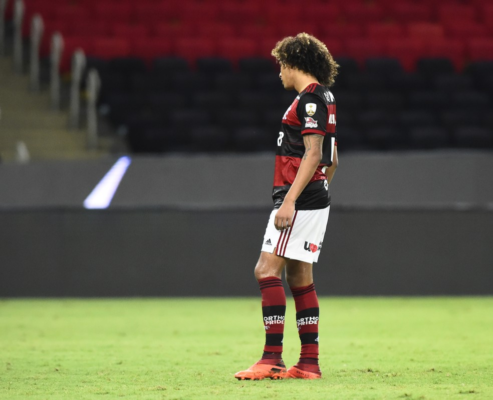 Ar�o � vetado do duelo com Inter, veja a prov�vel escala��o do Flamengo