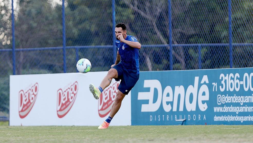 Gilberto em treino do Bahia desta segunda-feira — Foto: Felipe Oliveira/EC Bahia