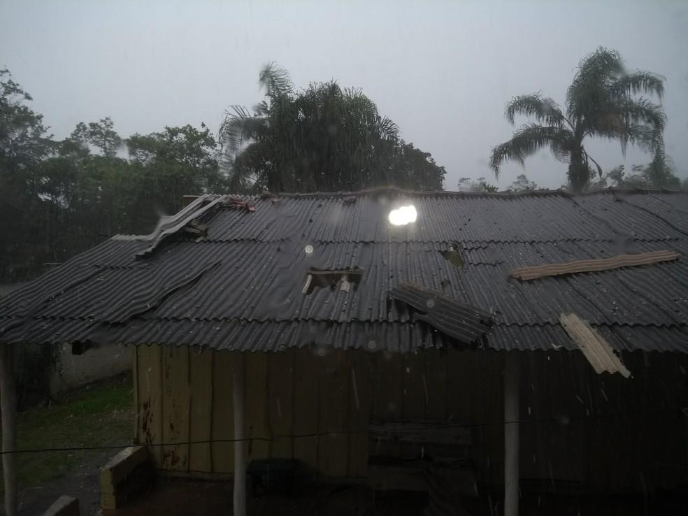 Chuva de granizo em Antonina (Foto: Paulo Rodrigues/Arquivo pessoal)