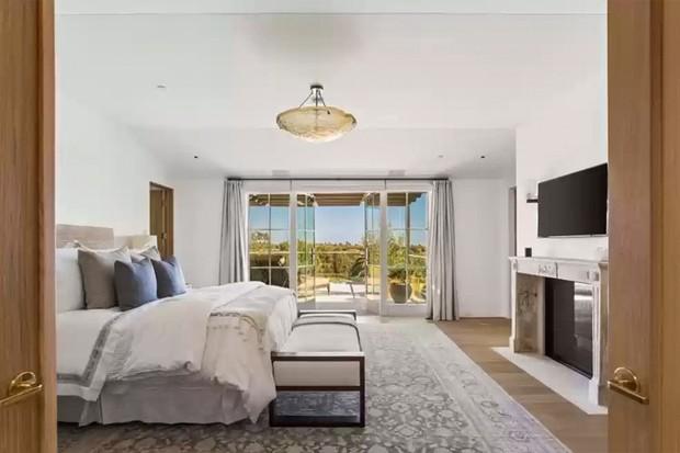 Michelle Pfeiffer quer R$ 127 milhões por mansão em uma das ruas mais caras de Los Angeles (Foto: Divulgação)
