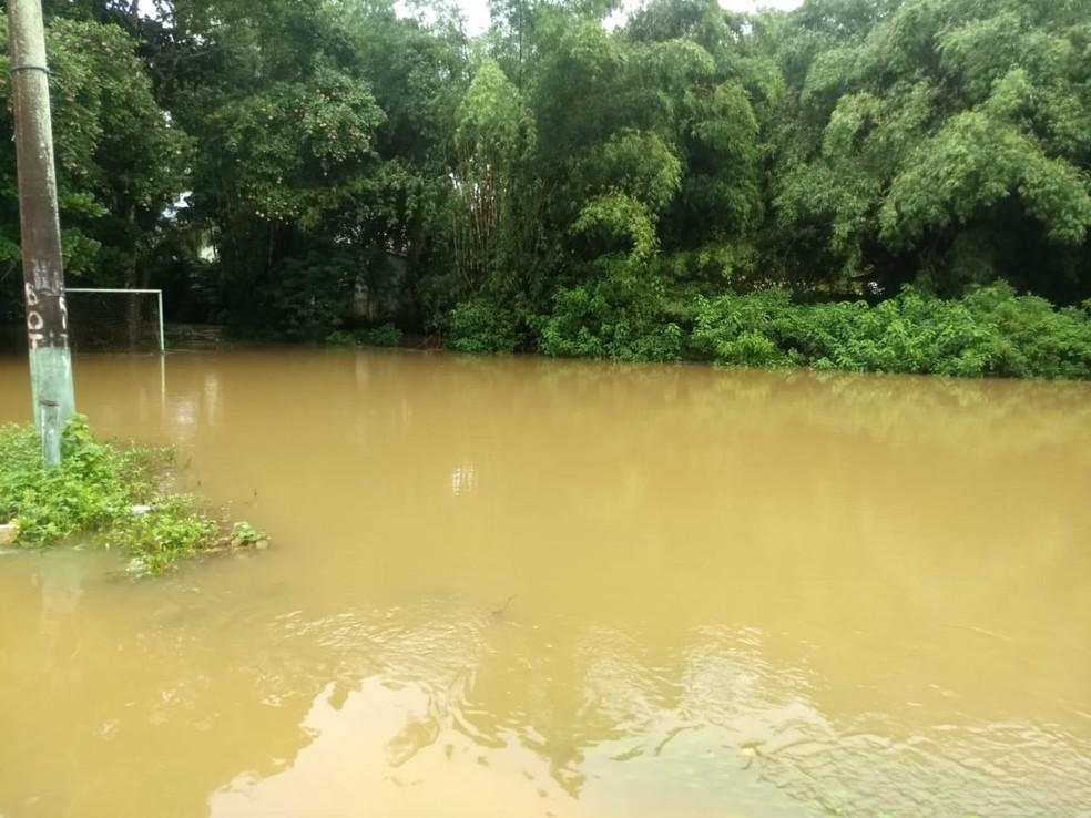 Chuva causa estragos em Ubatuba. — Foto: Defesa Civil
