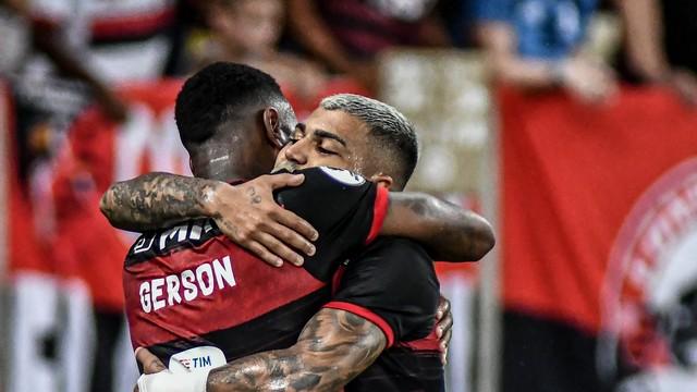 Gerson e Gabigol, os nomes do jogo