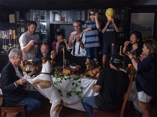 Anthony Bourdain, Ottavia Busia e família (Foto: Instagram)