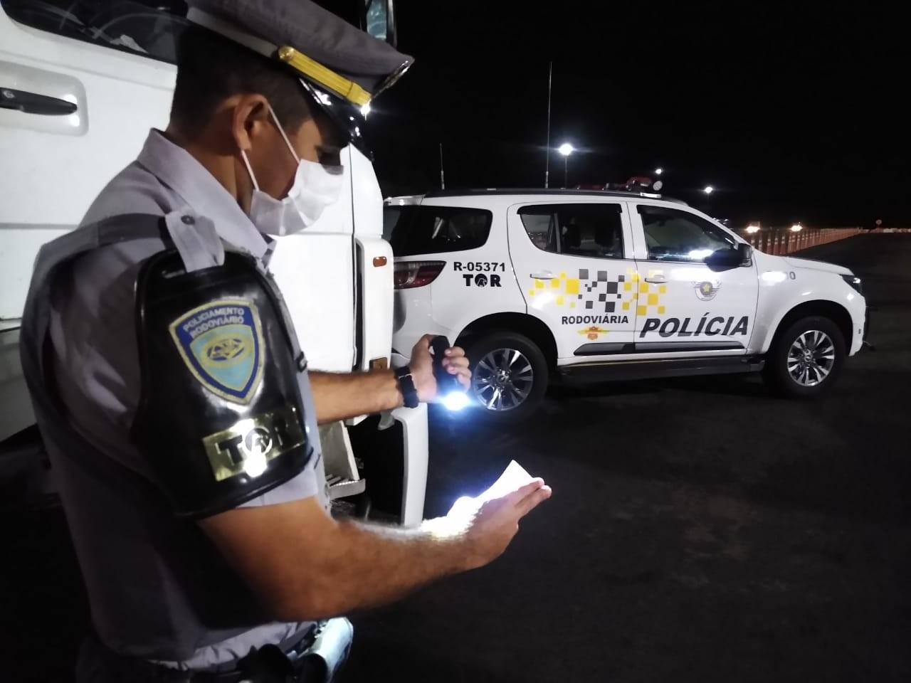 Motorista é preso por uso de documentos falsos em Itatinga