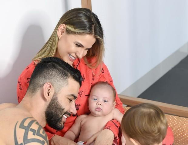 Andressa Suita e Gusttavo Lima com os filhos (Foto: Instagram/Reprodução)