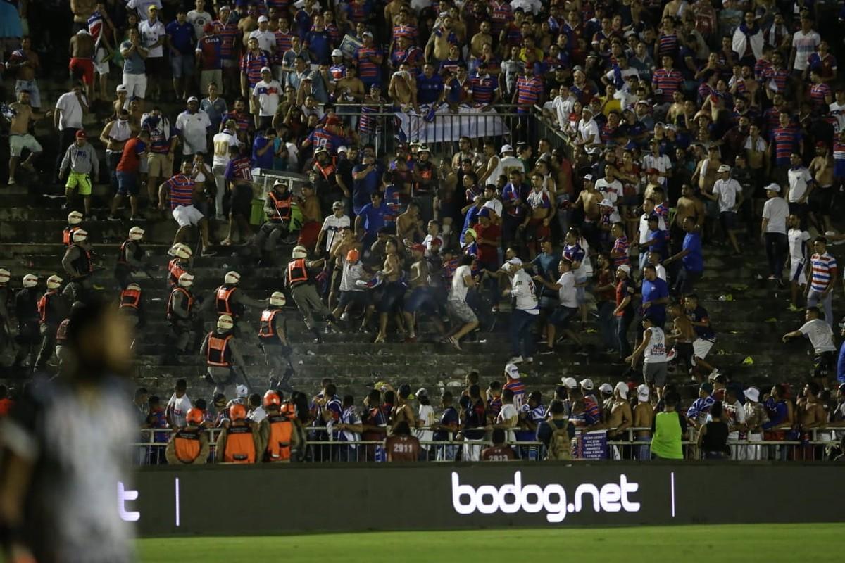 Final Do Nordestao Tem Confusao Nas Arquibancadas E Torcedores Passando Mal A Beira Do Campo Copa Do Nordeste Ge