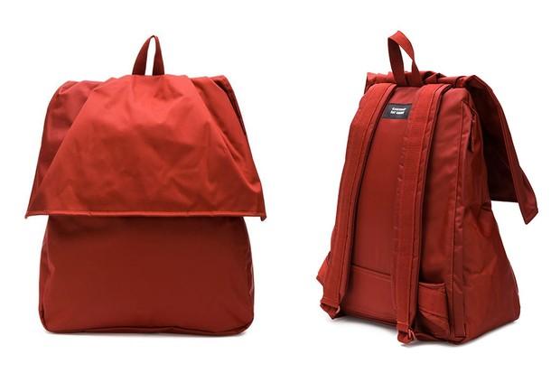 a942b3823 Para os amantes da moda, a colaboração entre Raf Simons e Eastpak é item  essencial