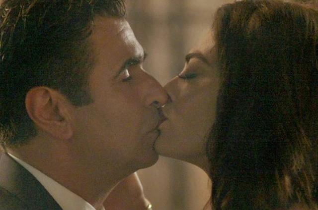 Juliana Paes e Orã Figueiredo como Carolina e Hugo em 'Totalmente demais' (Foto: Reprodução)
