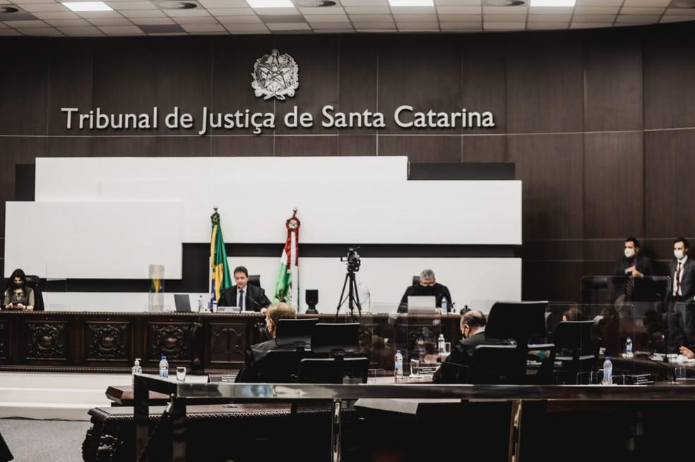 Sessão na tarde desta segunda escolheu cinco desembargadores para compor tribunal de julgamento  — Foto: Diorgenes Pandini/NSC