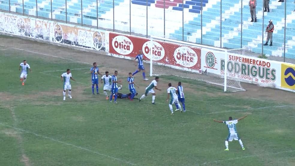 Sousa venceu o Atlético de Cajazeiras por 2 a 1 (Foto: Reprodução / TV Paraíba)