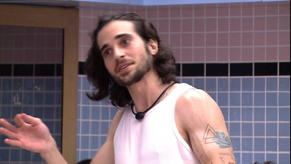 Fiuk comenta sobre postura de brother no BBB21: 'Se eu tivesse a cabeça fraca teria parado de falar com Gil' — Foto: Globo