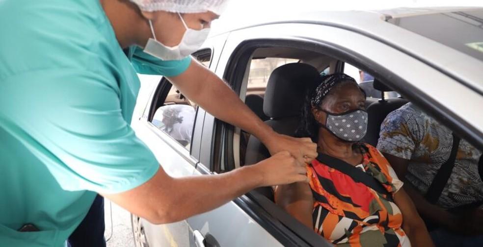 Vacinação para moradores de Paço e São José de Ribamar ocorridos em Shopping — Foto: Divulgação/Governo do Maranhão