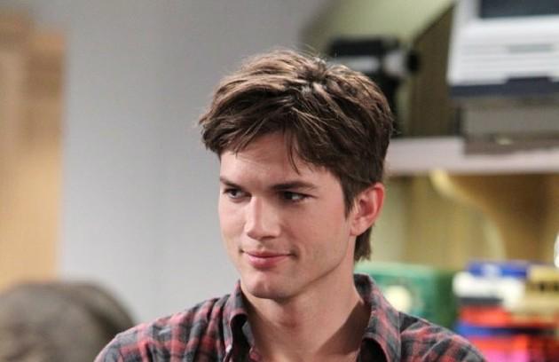 Galã no cinema, Ashton Kutcher agora estrela 'Two and a half men' (Foto: Divulgação)