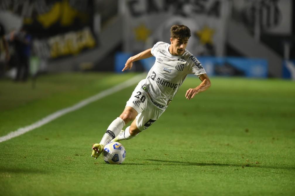 Gabriel Pirani tem cinco gols com a camisa do Santos nesta temporada — Foto: Ivan Storti/Santos FC