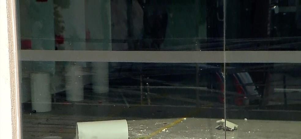 Bandidos usaram maçarico na ação. — Foto: Reproducão Inter Tv Cabugi