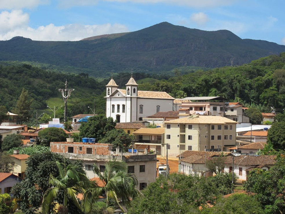 Reservas de Brucutu estão em serra que contorna a cidade de São Gonçalo do Rio Abaixo — Foto: Darlan Alvarenga/G1
