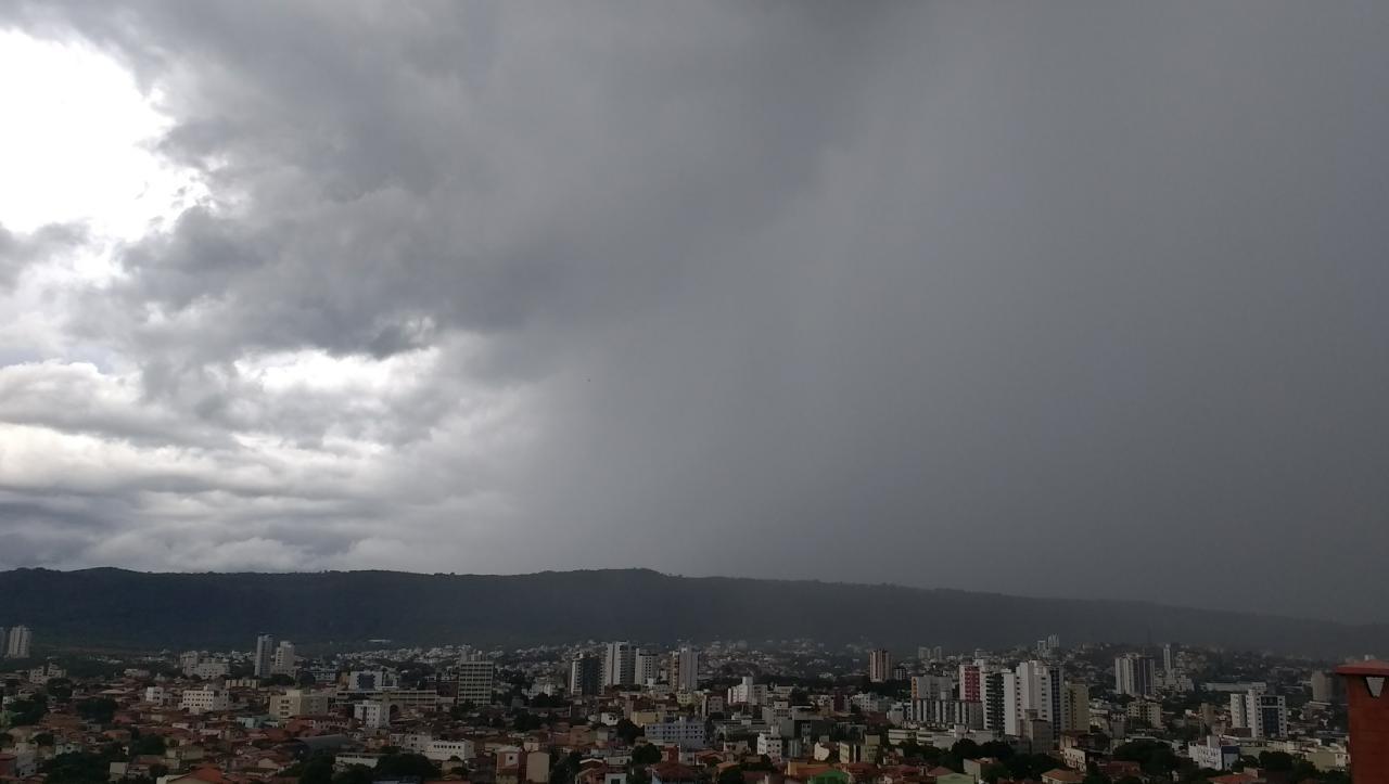 Inmet aponta possibilidade de chuva para Montes Claros durante a semana; veja a previsão completa