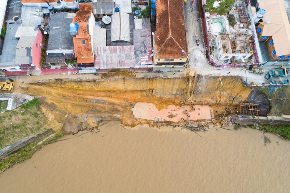 Parintins, no AM, entra em situação de emergência após erosão na orla da cidade — Foto: Yuri Pinheiro/Prefeiura de Parintins