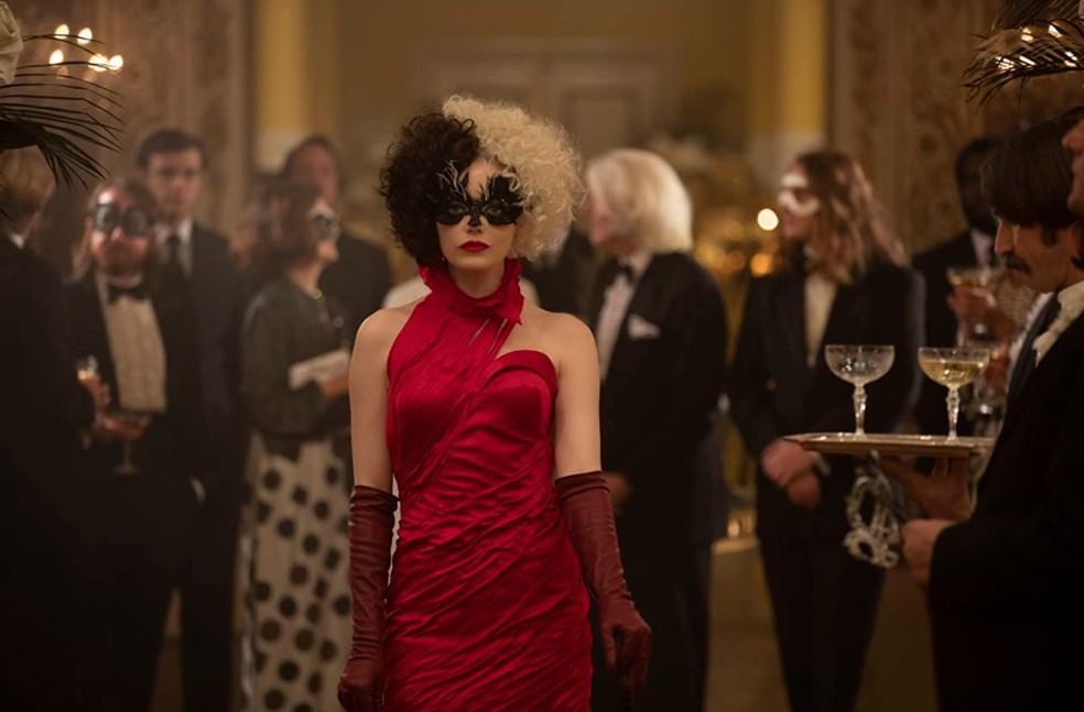 Nos cinemas, Cruella é interpretada por Emma Stone — Foto: IMDB