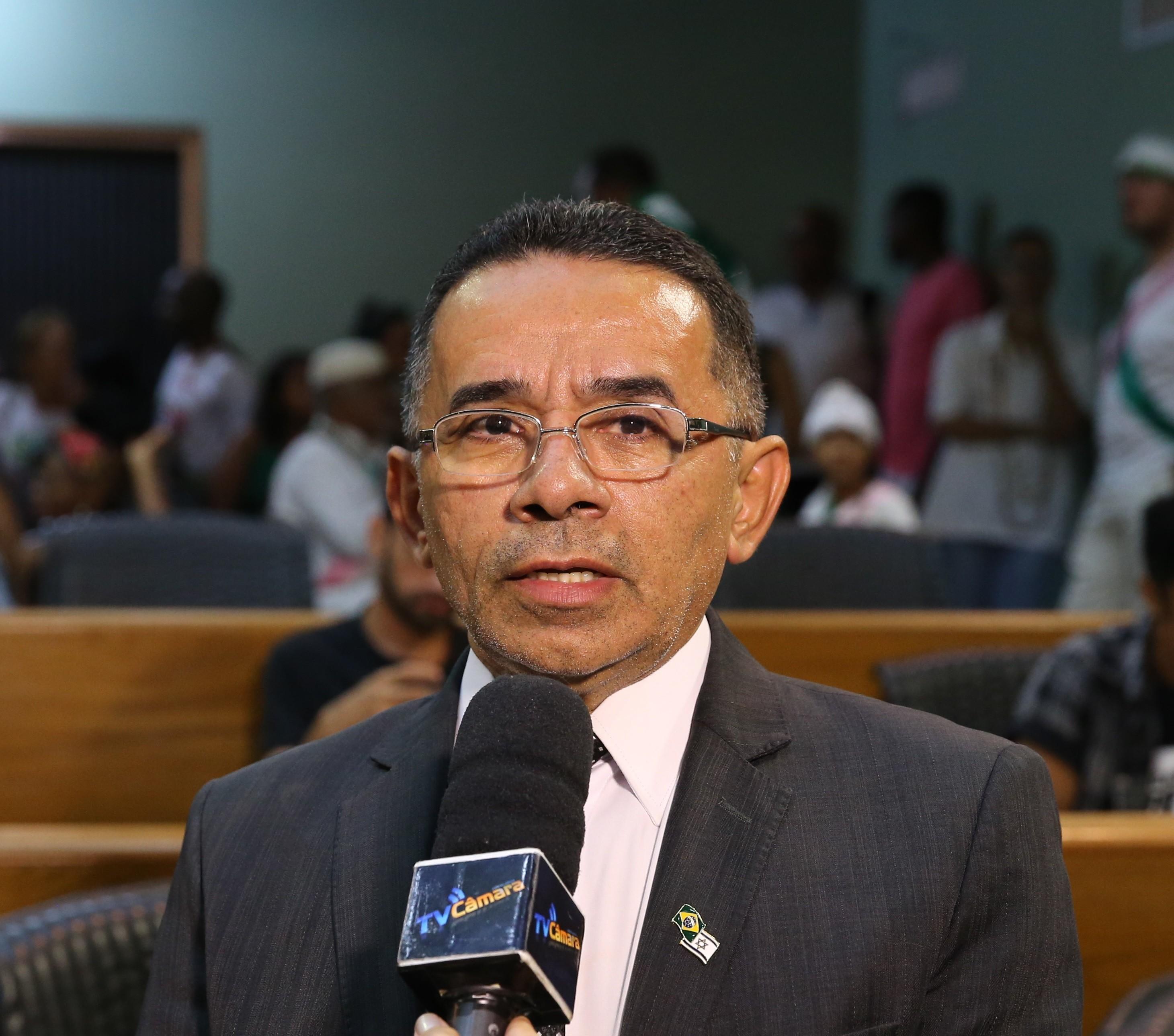 Comissão apresenta parecer favorável à cassação do vereador afastado Isac Cruz em Uberlândia