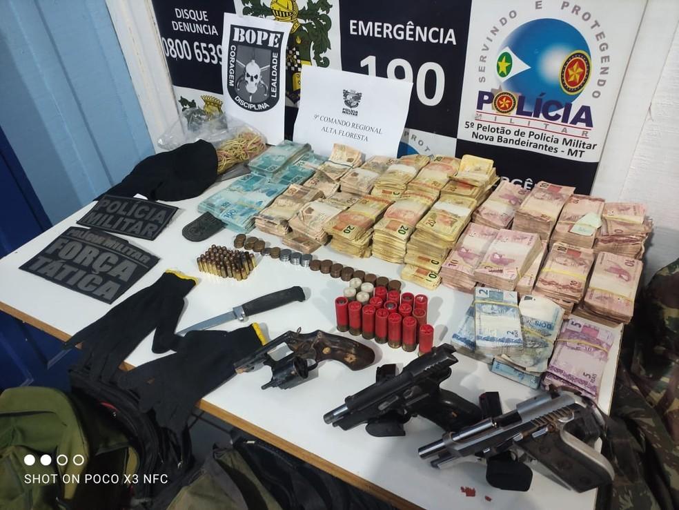 Cerca de 200 mil foram recuperados pela polícia — Foto: Assessoria