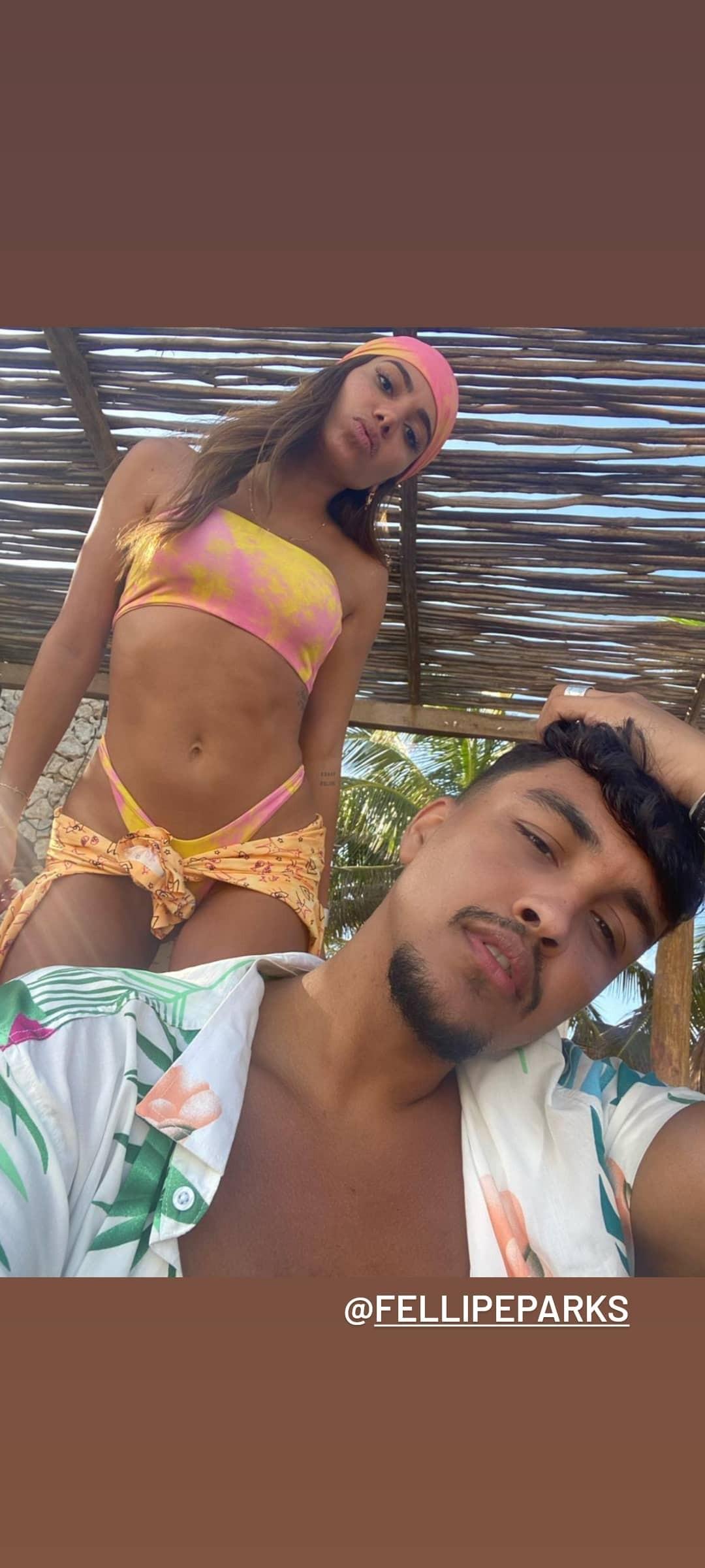 Anitta e amigo em Tulum, no México (Foto: Reprodução/Instagram)