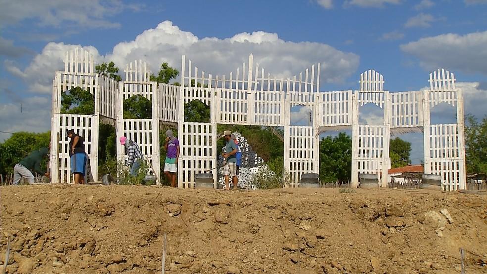 Espetáculo da Paixão de Cristo é montado por agricultores na zona rural de Apodi (Foto: Reprodução/Inter TV Costa Branca)