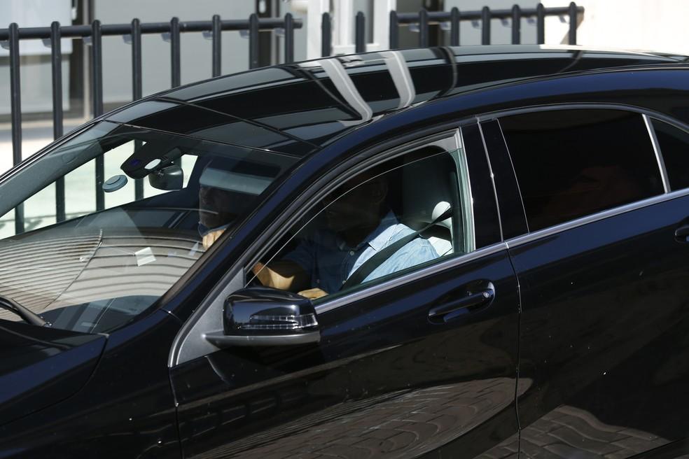 Cristiano Ronaldo chega a tribunal em carro, sem dar as caras à imprensa  (Foto: Efe)