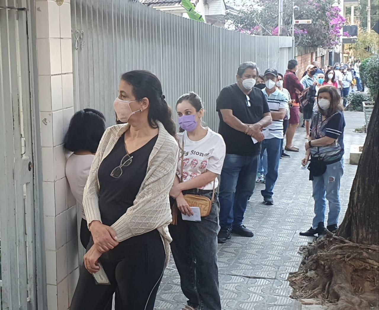 Vacina contra a Covid-19 deixa de ser aplicada nos fins de semana em Belo Horizonte