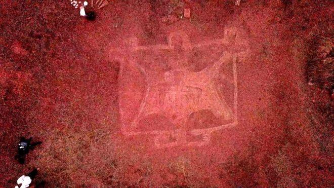Cientistas acreditam que imagens foram feitas em torno de 10.000 a.C. (Foto: BBC Marathi via BBC News Brasil)