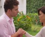 Alan (Thiago Fragoso) e Kyra (Vitória Strada) em 'Salve-se quem puder' | TV Globo
