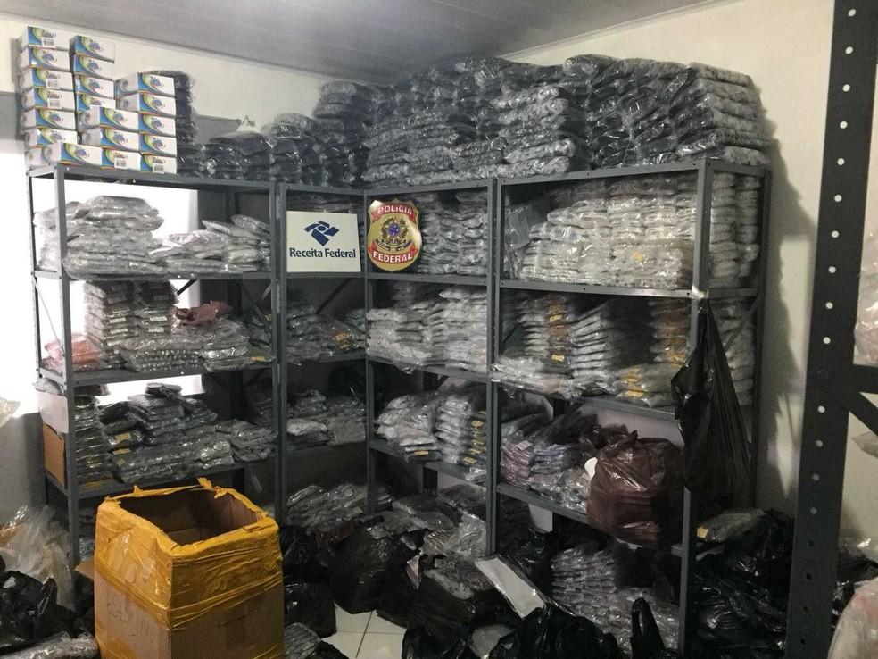 Operação conjunta da Receita Federal e Polícia Federal apreendeu produtos importados em Feira de Santana (Foto: Receita Federal / Divulgação)
