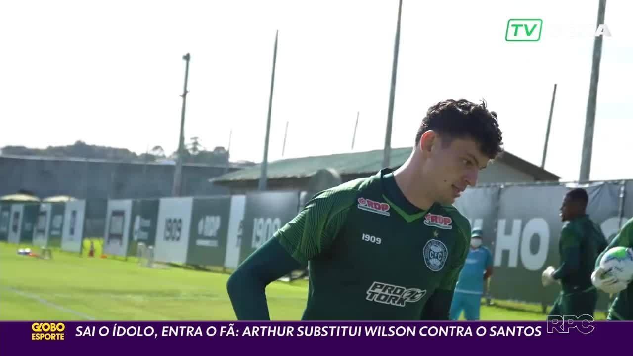 Fã de Wilson, Arhtur será substituto do goleiro em Coritiba x Santos