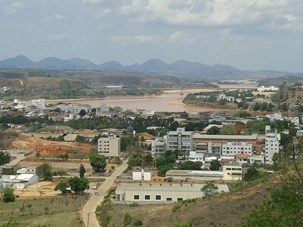 Imagem do Rio Doce, em Colatina, feita em 19 de novembro (Foto: Vando Fagundes/ TV Gazeta)